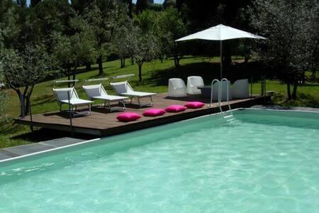 Beautiful panoramic Tuscan style farmhouse & pool - Montalcino