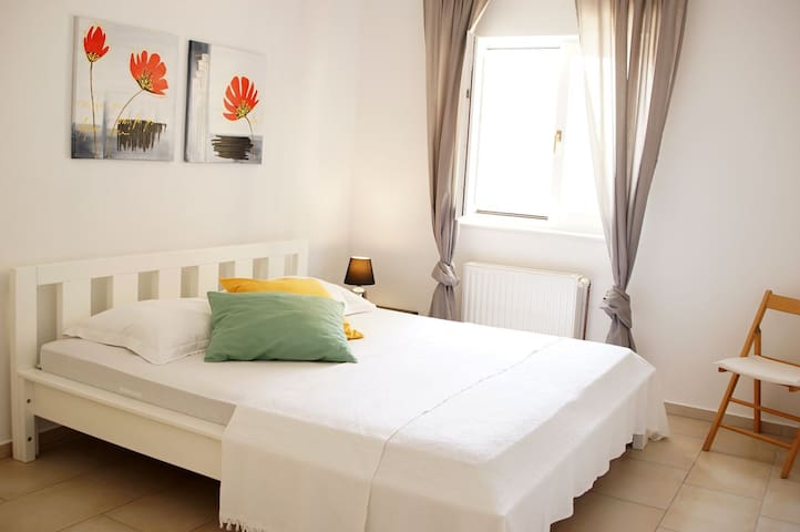 charming old town apartment Deja