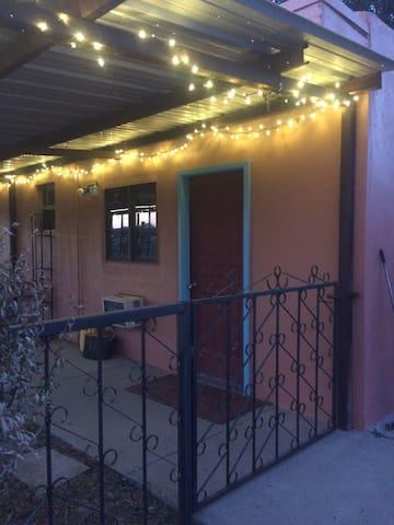 Cozy Casita in the Country - Las Cruces - Gjestehus