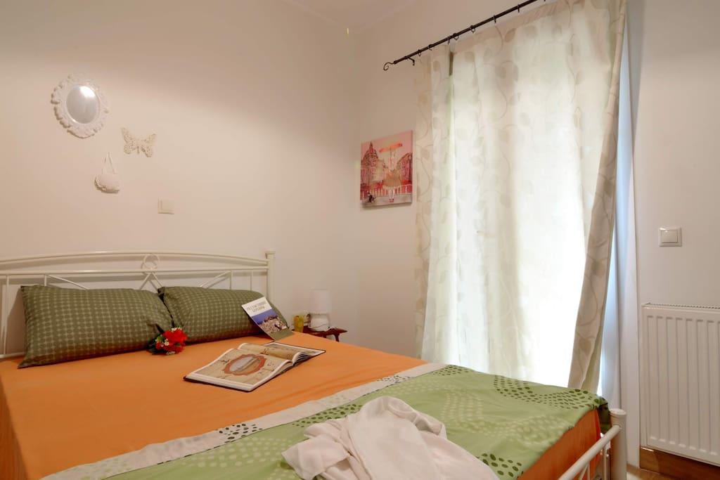 Bedroom Double Bed-02