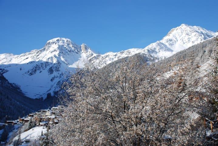 Les autannes - Grimentz - Chatka w górach
