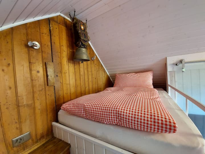 Romantic studio in antique house. Lakeview balcony