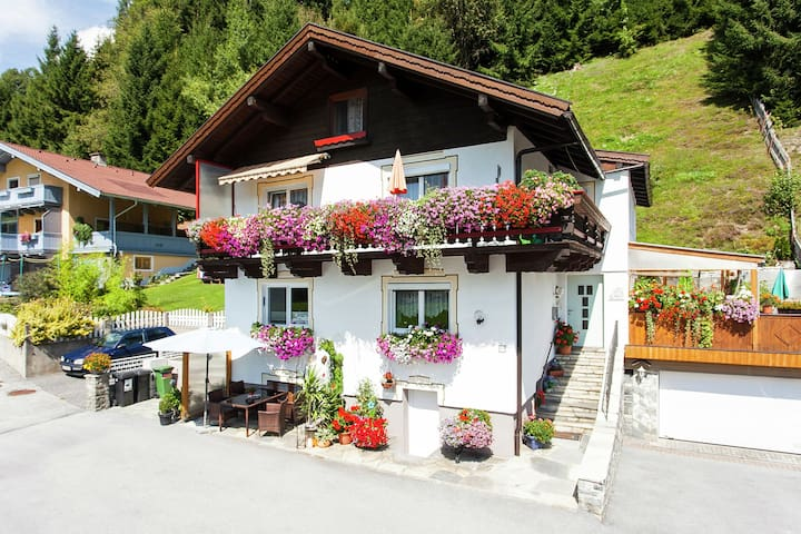 Peaceful Chalet in Stuhfelden near Ski Area Kirchberg