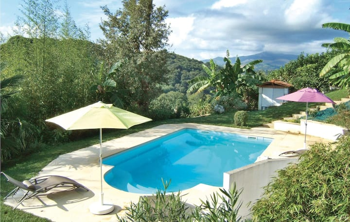 Stunning home in Saint Pee Sur Nivelle with WiFi and 2 Bedrooms
