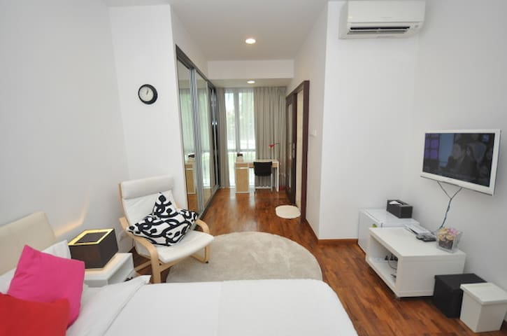 Luxury Serviced Apartment: suites master room