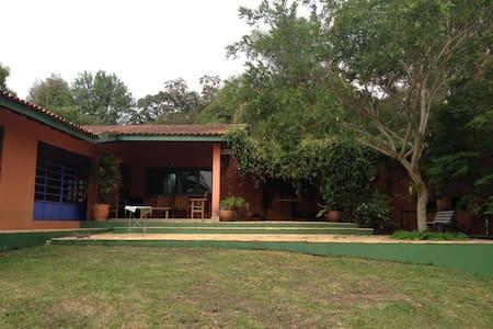 Linda chácara a 50 min de São Paulo - Cabreúva - 小木屋