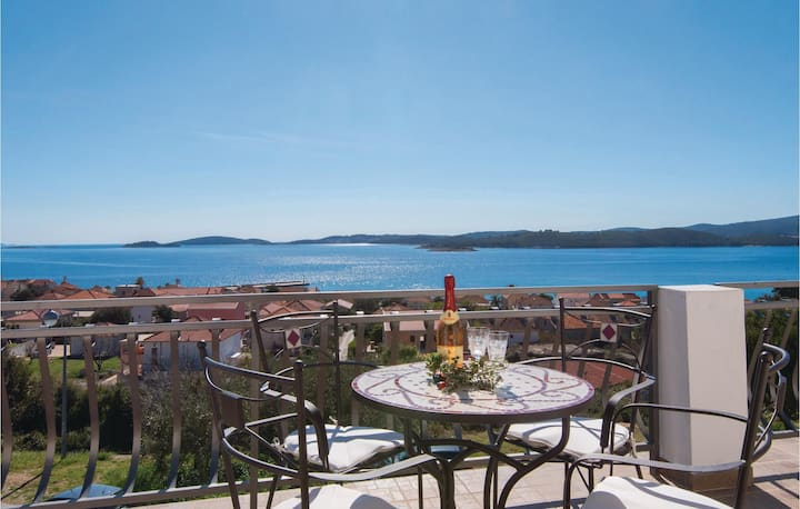 Stunning home in Orebic with WiFi and 1 Bedrooms