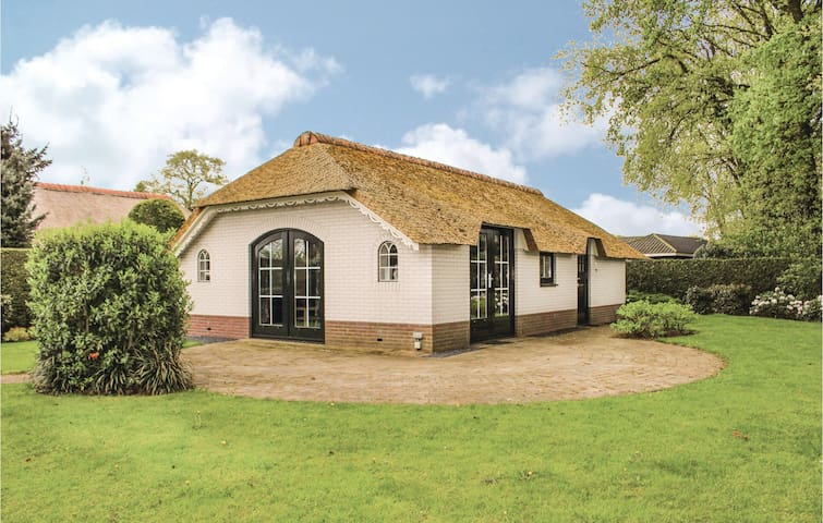 Stunning home in Ermelo with WiFi and 2 Bedrooms