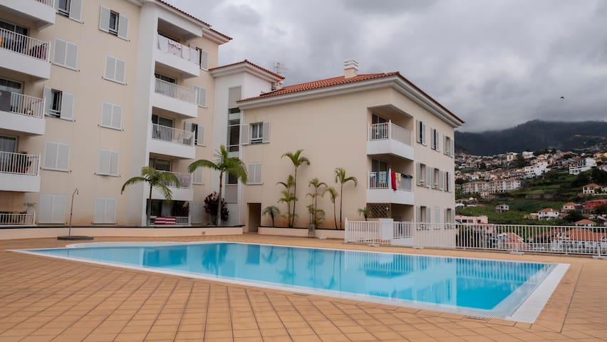 Great apartment, free pool, park and WiFi access