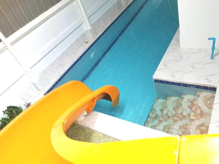 위치가 좋은 pattaya pool villa