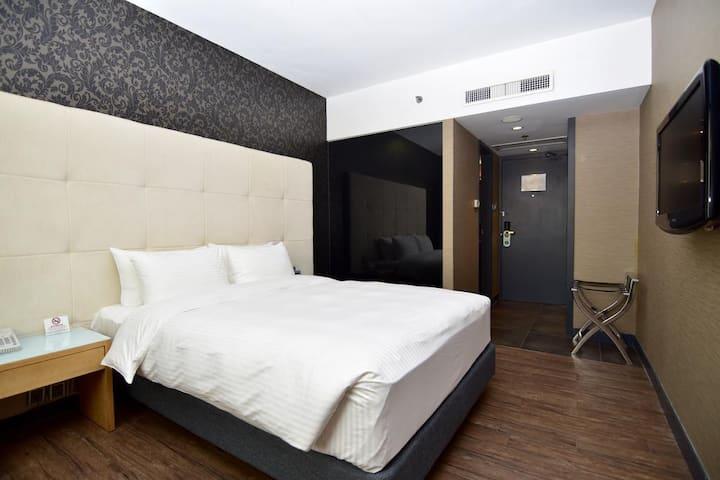 澳门艺舍酒店Macau Hotel Sun Sun标准双人房( 1-2)澳门半岛中心,大三巴港澳码头