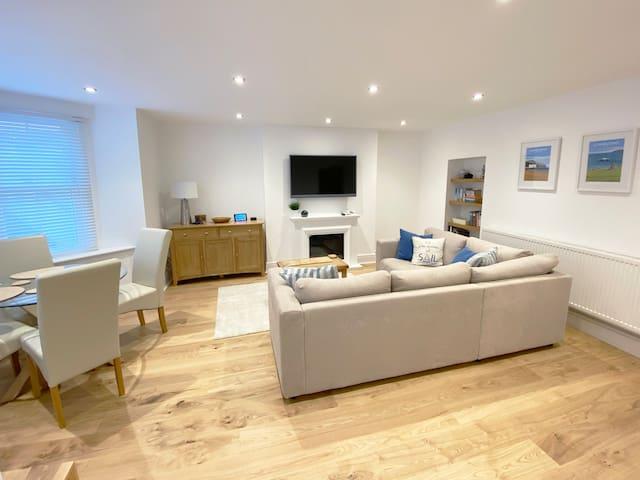 Luxury basement apartment in Llandudno