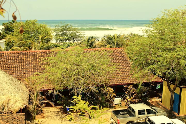 CLUB SURF POPOYO - Beachfront Room #6