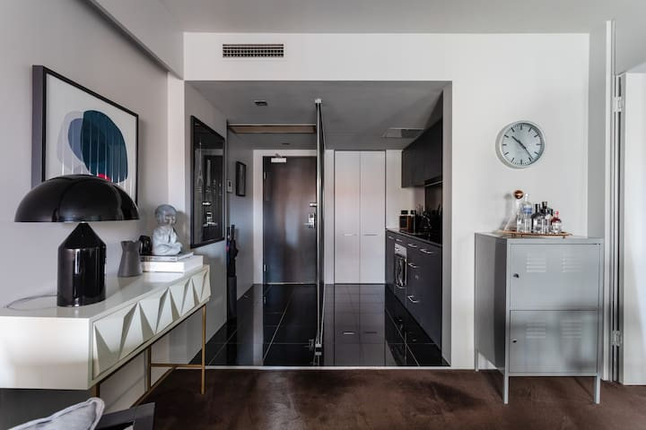 Luxe Potts Point Apartment