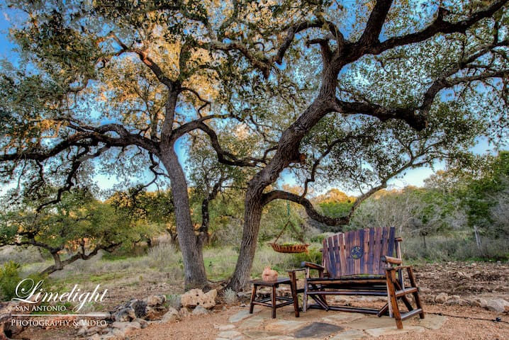 Private Luxury Casita - A in the TX Hill Country - Spring Branch - Bed & Breakfast