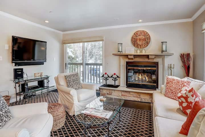 Centrally located ski-in/ski-out mountain home w/private balcony/shared hot tubs