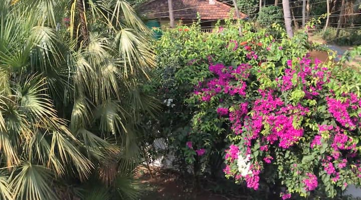 1BHK Luxury Homestay In South Goa.500m from Beach