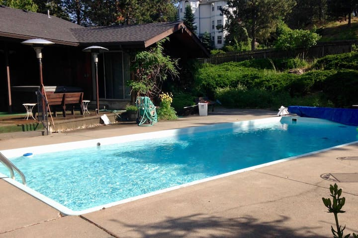 Book now for summer! Large home, pool, spa, yard.