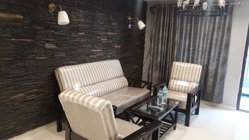 Cosy 2BHK Apartment at Banjara Hills, Hyderabad