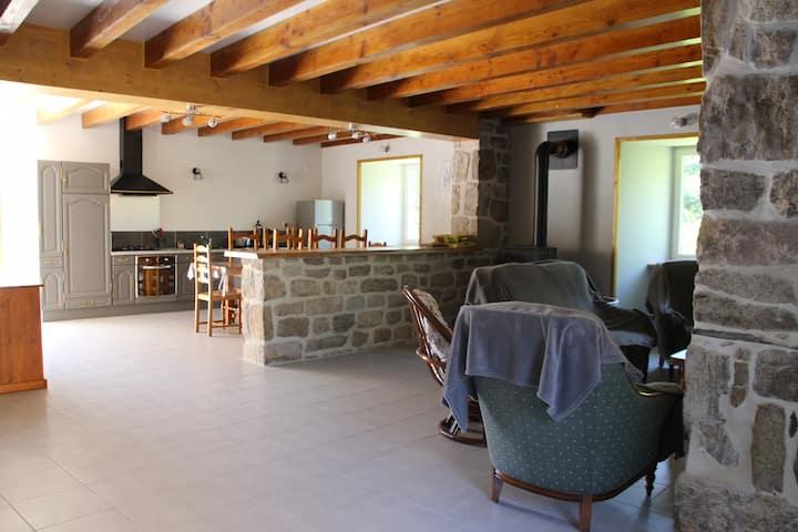 Maison de vacances à la campagne en Ardèche calme