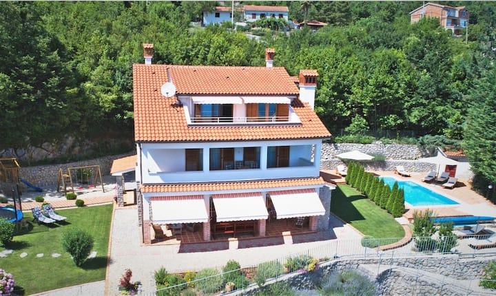 Villa Harmonia, place for relax above Opatija