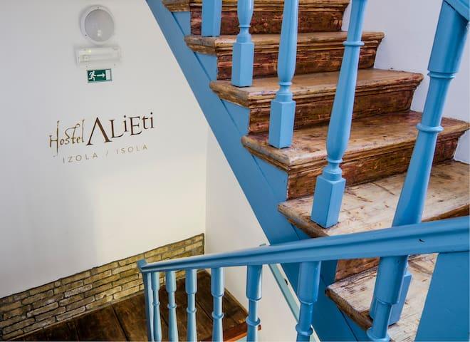 Hostel Alieti Izola - Izola - Alberg