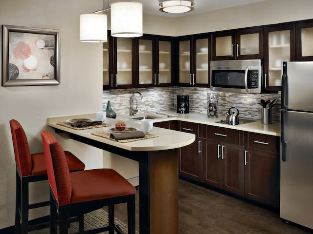 Free Breakfast, Free Wi-Fi, Outdoor Pool | Comfy Suite in Plano