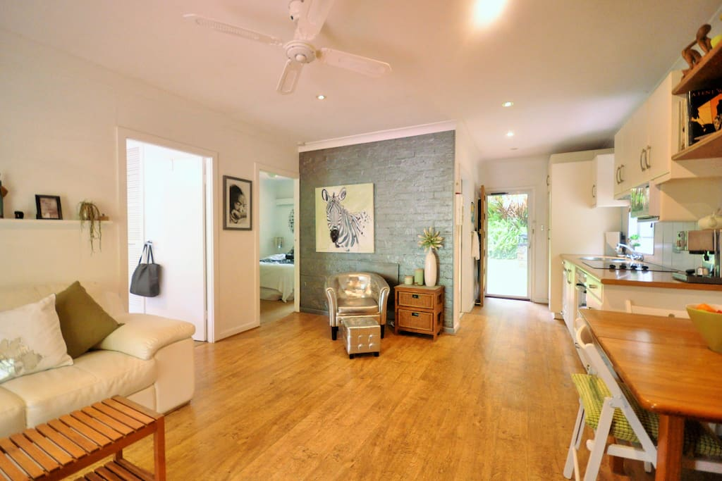 :: modern kitchen and decor