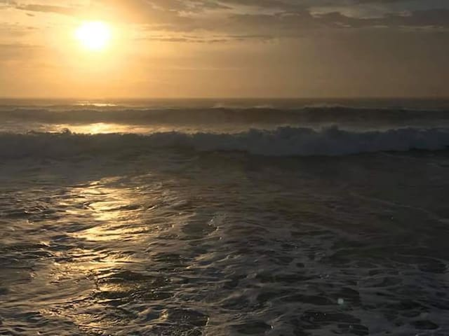 Salt Cay B-Waterfront/Fishing/Close to Beach!!!