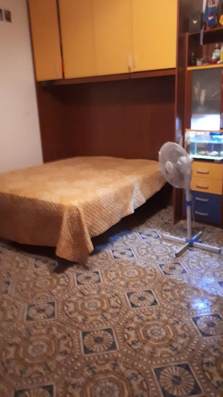 Luminosa camera al centro di Pozzuoli