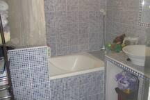 salles de bain + toilette
