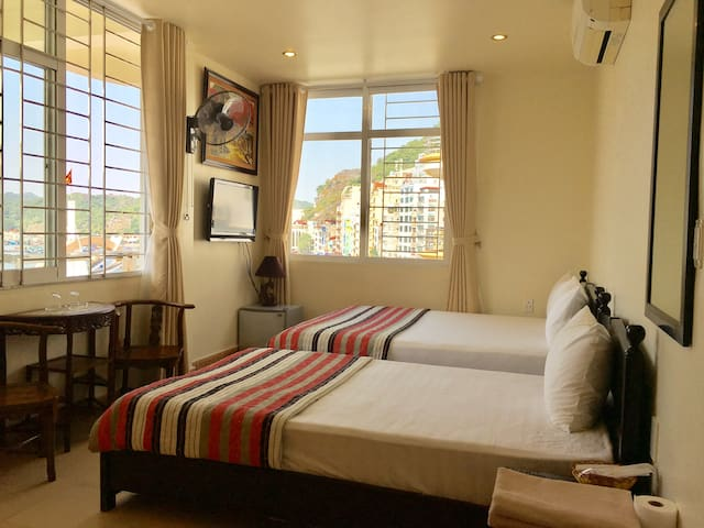 C706 Amazing sea view room in central location