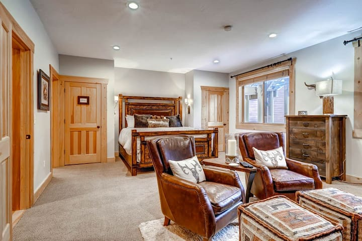 Black Bear Lodge #308 A | Elegant Cozy Condo | Walking Distance of Deer Valley Lifts | Features Expansive Master Suite with Sitting Area and Fireplace