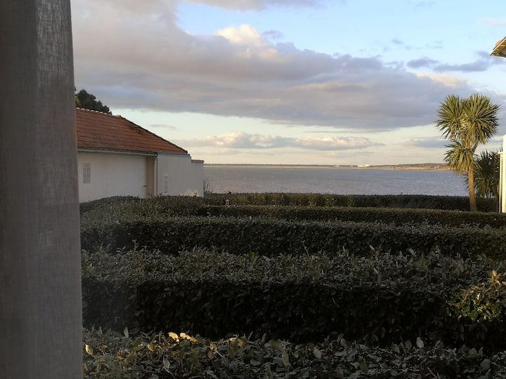 Jolie petit appartement vue sur mer.