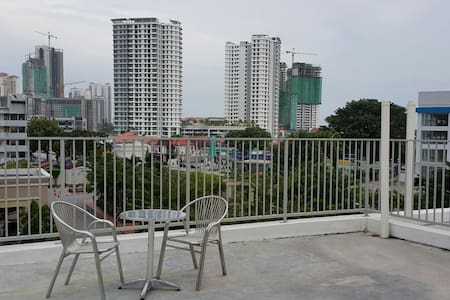 Comfy studio with spacious rooftop - Tanjung Bungah - Outro