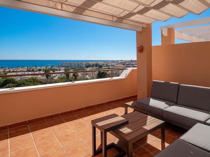 2163-Amazing penthouse, 2 terraces sea/golf view!