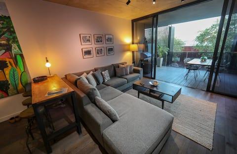 Designer Collingwood Apartment