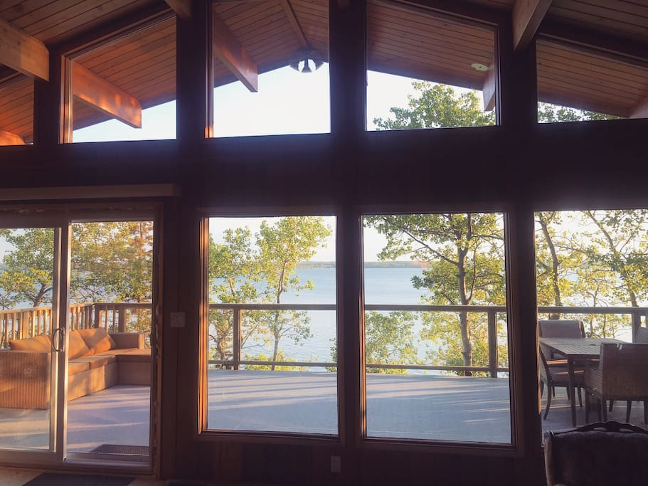 Large windows from the living room / kitchen to view the lake and an abundance of sun!