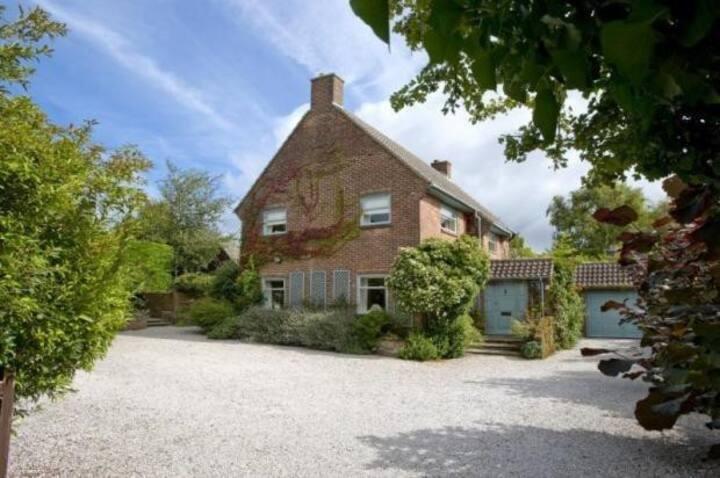 Spacious house in quiet area near Wareham centre