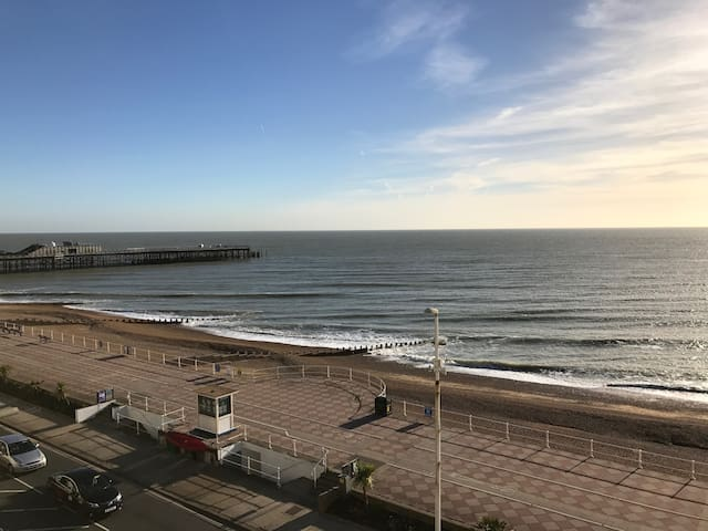 Seafront two bedroom apartment - Hastings - Lägenhet
