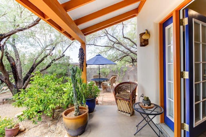 Private Southwestern Style Casita w Lush Backyard