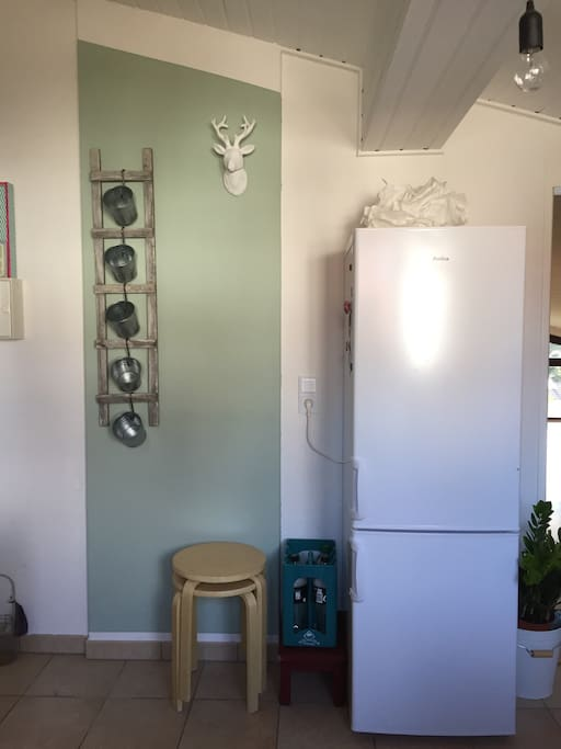 Kitchen area (refrigerator incl. freezer)