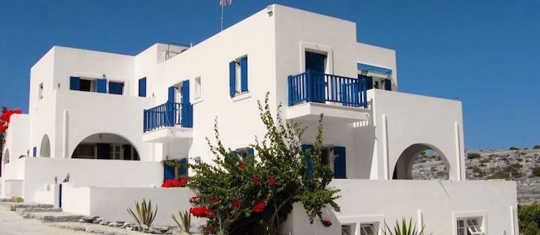 Fontana Apartments - Schoinousa - Apartemen