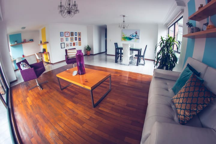 Our home = Your home :):) - Medellín - Appartement
