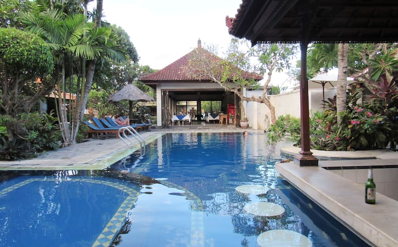 Apartment, 2 Pools, Close to Beach, Center Sanur