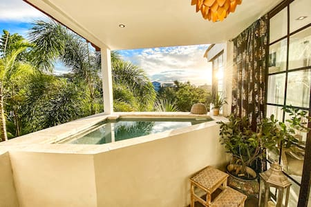 Romantic suite with private plunge  pool & tub #9