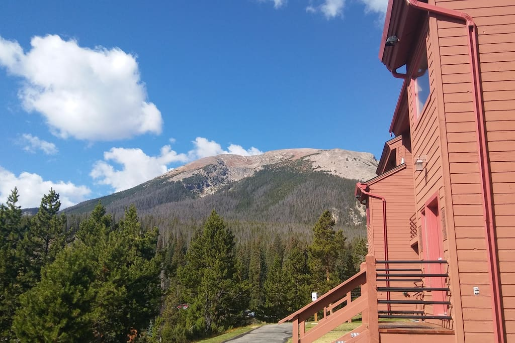 The Buffalo Mountain Trailhead is just 100 yards from the condo's front door!