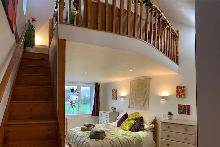 Mezzanine floor, Lundy view sunsets, soft King Bed