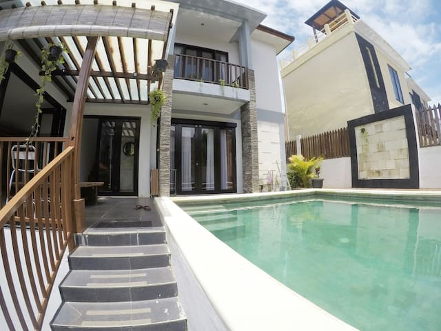 HIGH VALUE RESORT VILLA - Private, Stylish & Quiet