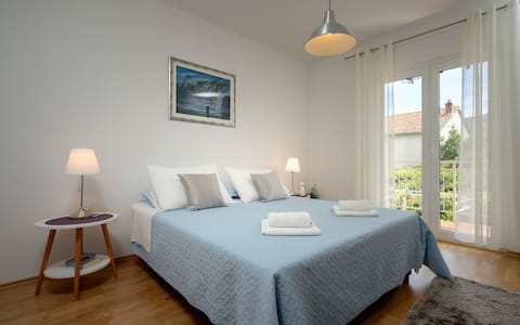 Two bedroom apartment with terrace, near center